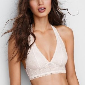 🆕 Victoria's Secret Scalloped Lace Bralette
